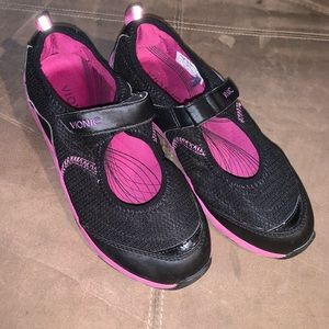 Vionic Sonnet Mary Jane Shoes Size 7.5